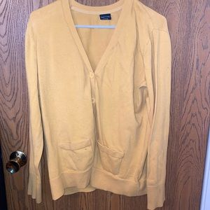 Xl yellow Sweater